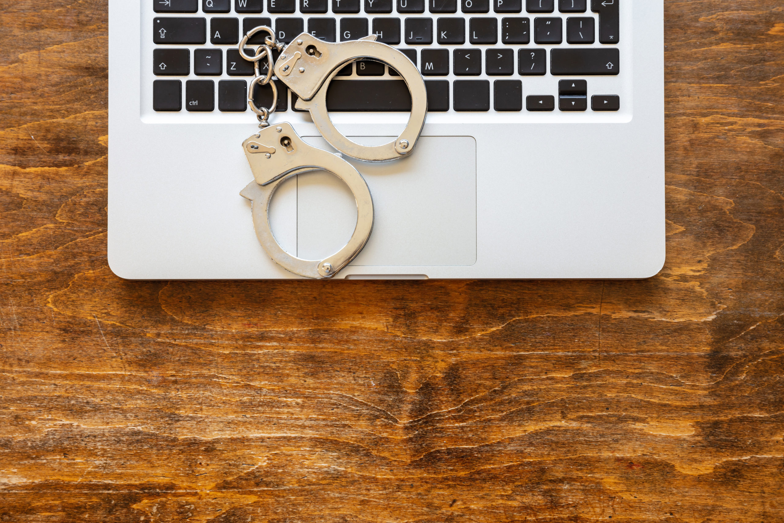 Orleando geht gegen Hacker vor. Sicherheit im Netz. orleando.de
